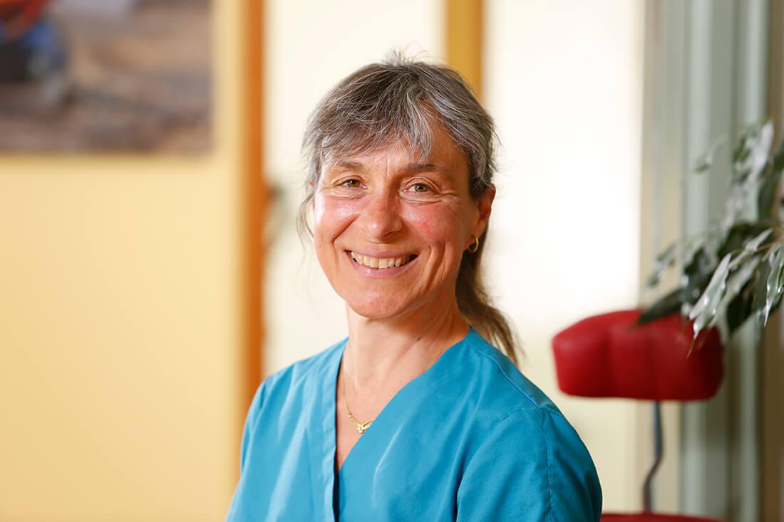 Zahnärzte Bordesholm - Portrait von Dr. Angelika Abend